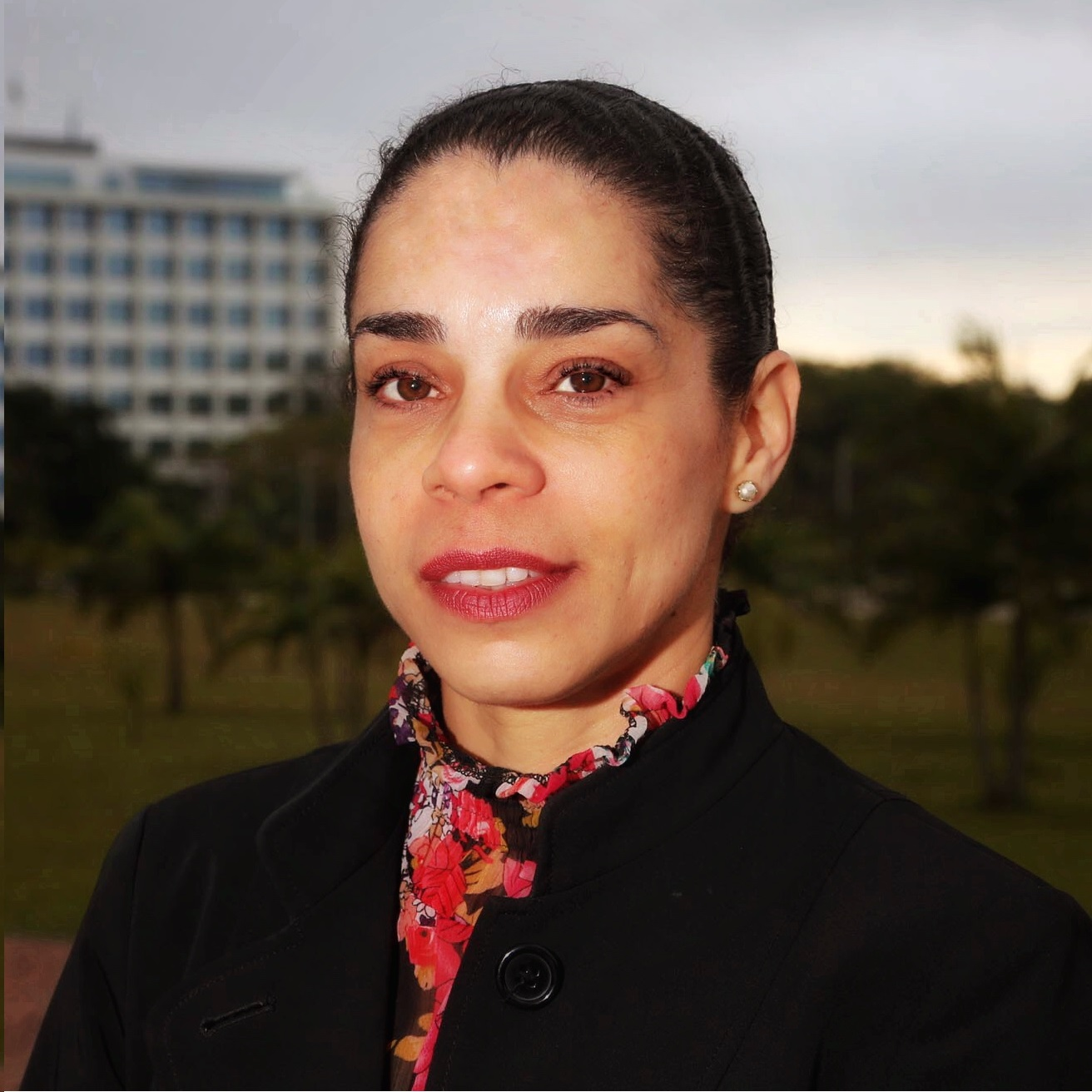 Dra. Solange Santos